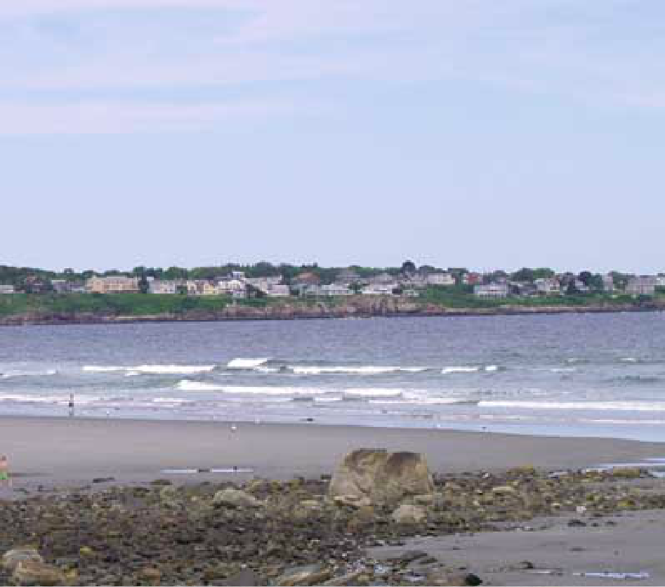 An image of the Long Sands Beach, in York, Maine.